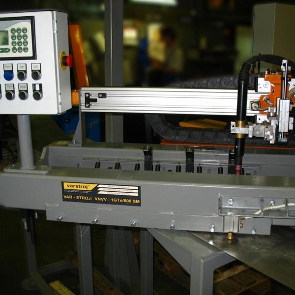 VAR-STROJ: L - ....... - 1G/TIG  naprava za vzdolžno varjenje po TIG postopku